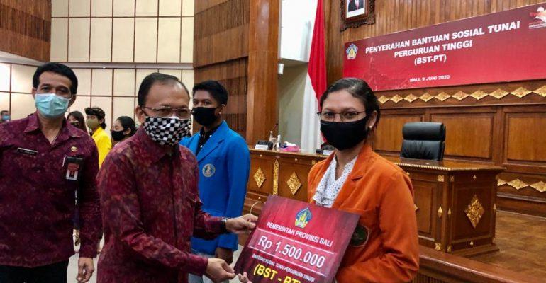 Bantuan Sosial Tunai Perguruan Tinggi (BST-PT) di Kantor Gubernur Bali